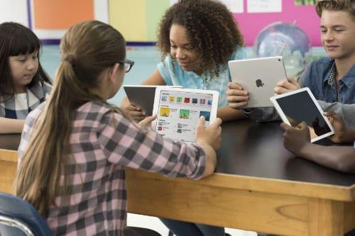 Macbook iPad-Classroom